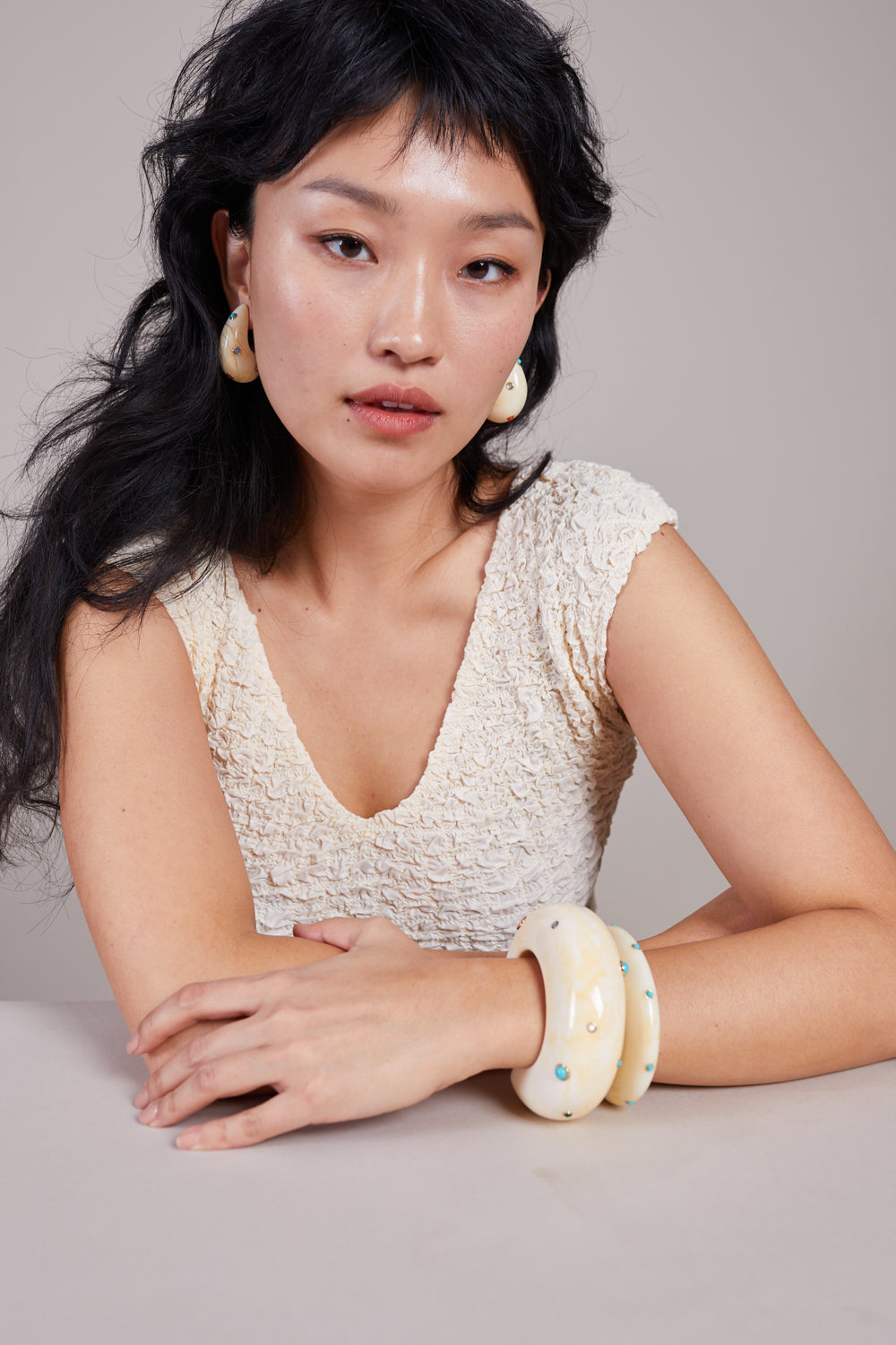 Lizzie Fortunato Arc cuff in Dotted Cream Acrylic - Vert & Vogue