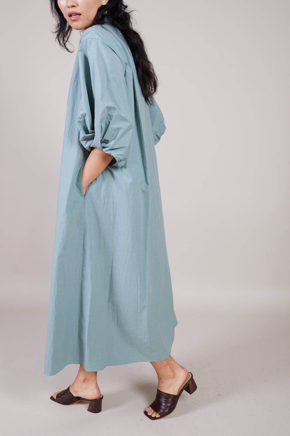 Sayaka Davis Twisted Sleeve Dress in Sage - Vert & Vogue