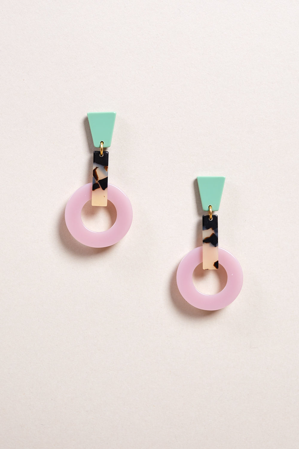 Silence Earring in Lilac