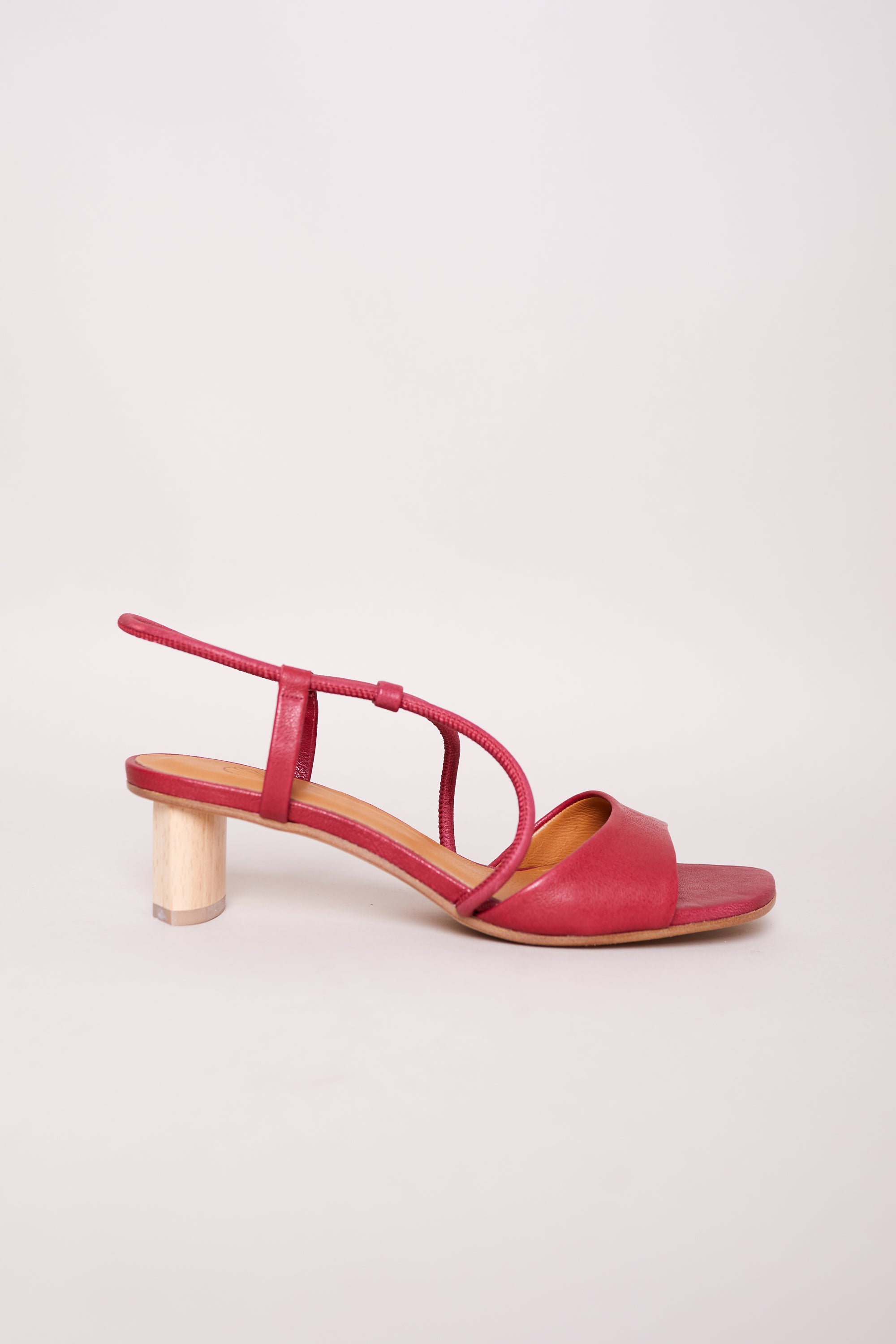 Noble Sandal in Rock Goji