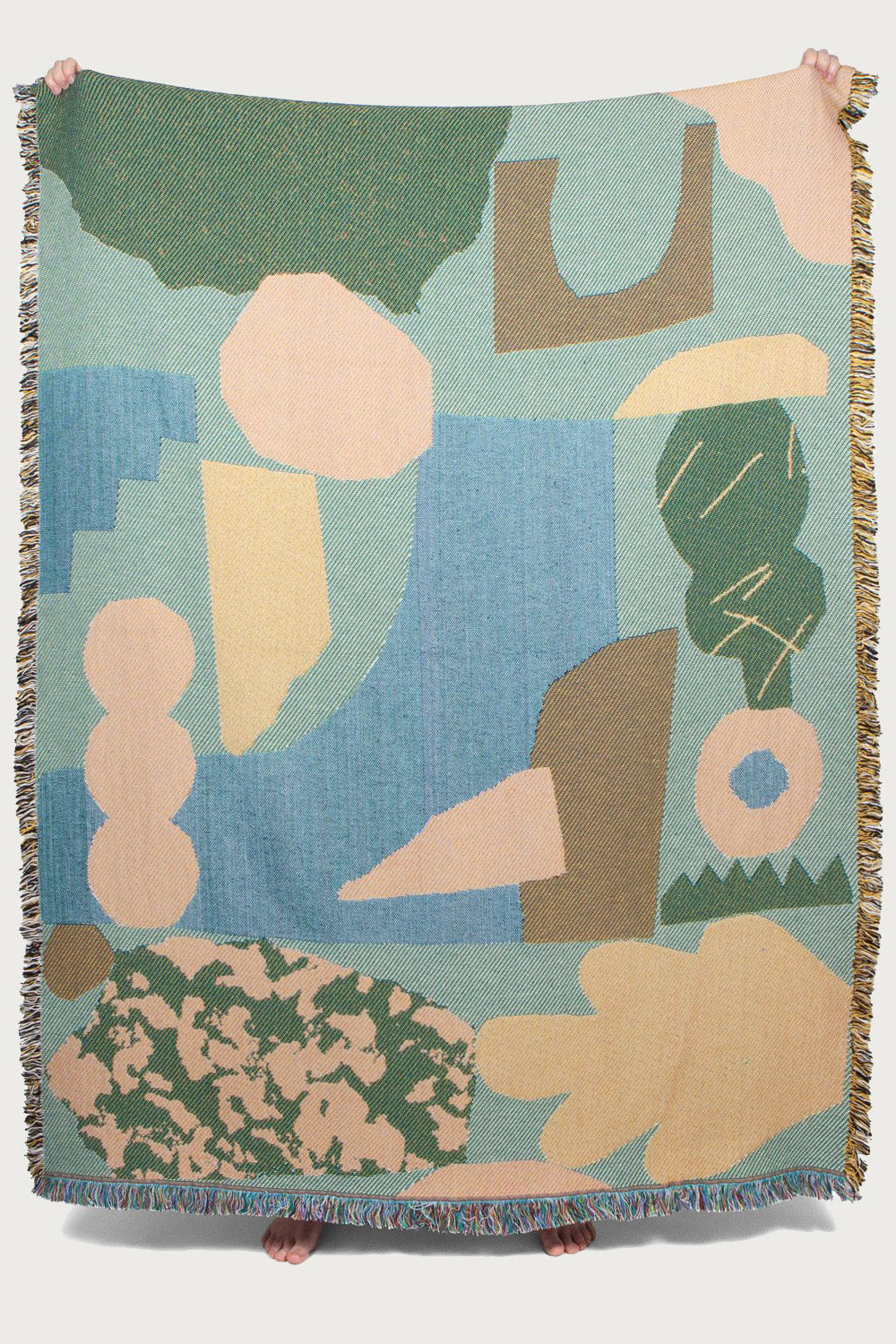 Wyatt Throw Designed by Amélie Lehoux