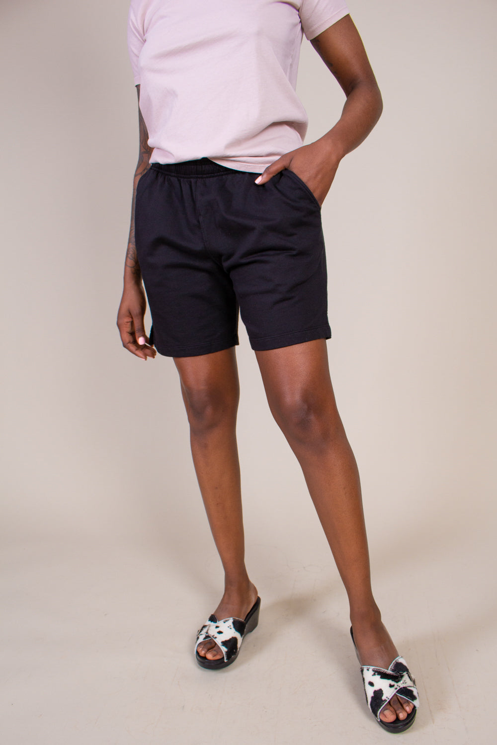 Fleece Easy Sweatshort in Black