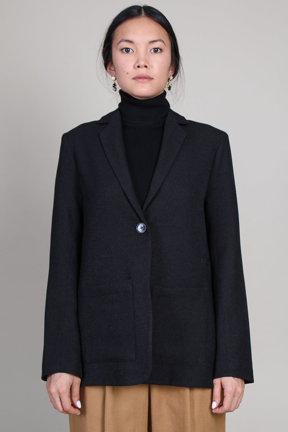 One Button Suit Jacket in Black