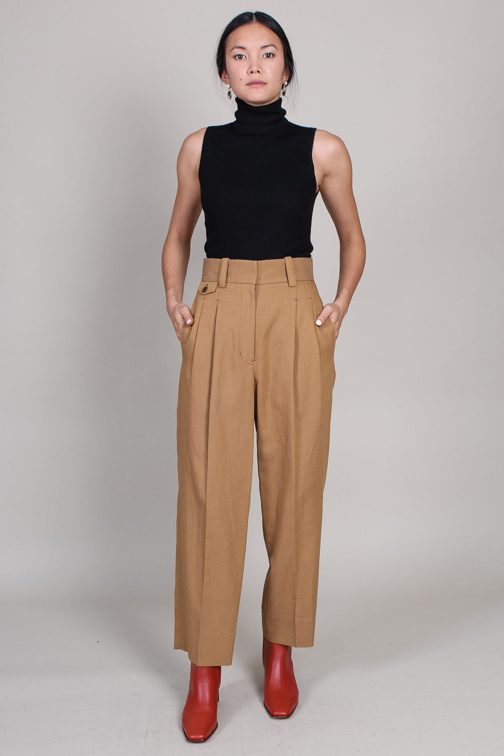 Two-tuck Trousers in Chestnut