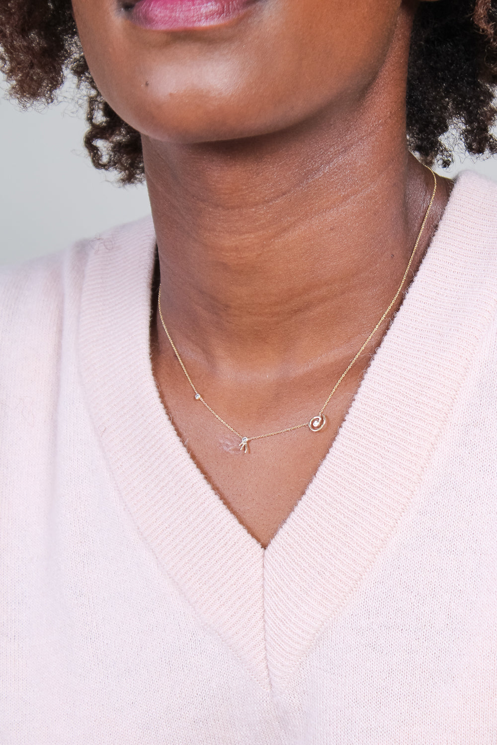 Dot Dot Necklace with Three Diamonds