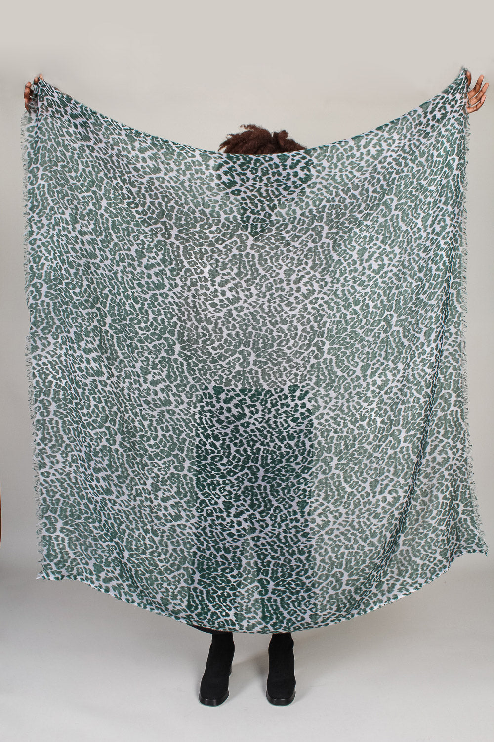 Janel Paws Scarf in Green