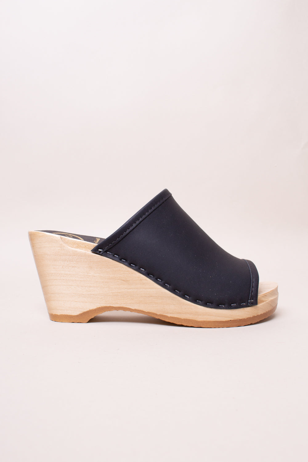Daria Clog on Wedge in Black