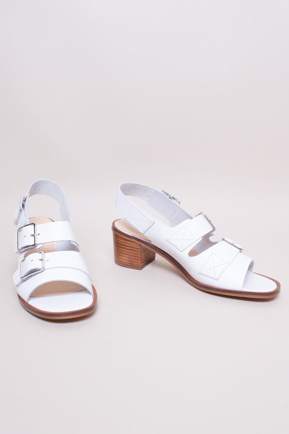 Intentionally Blank Jill Sandal in White - Vert & Vogue