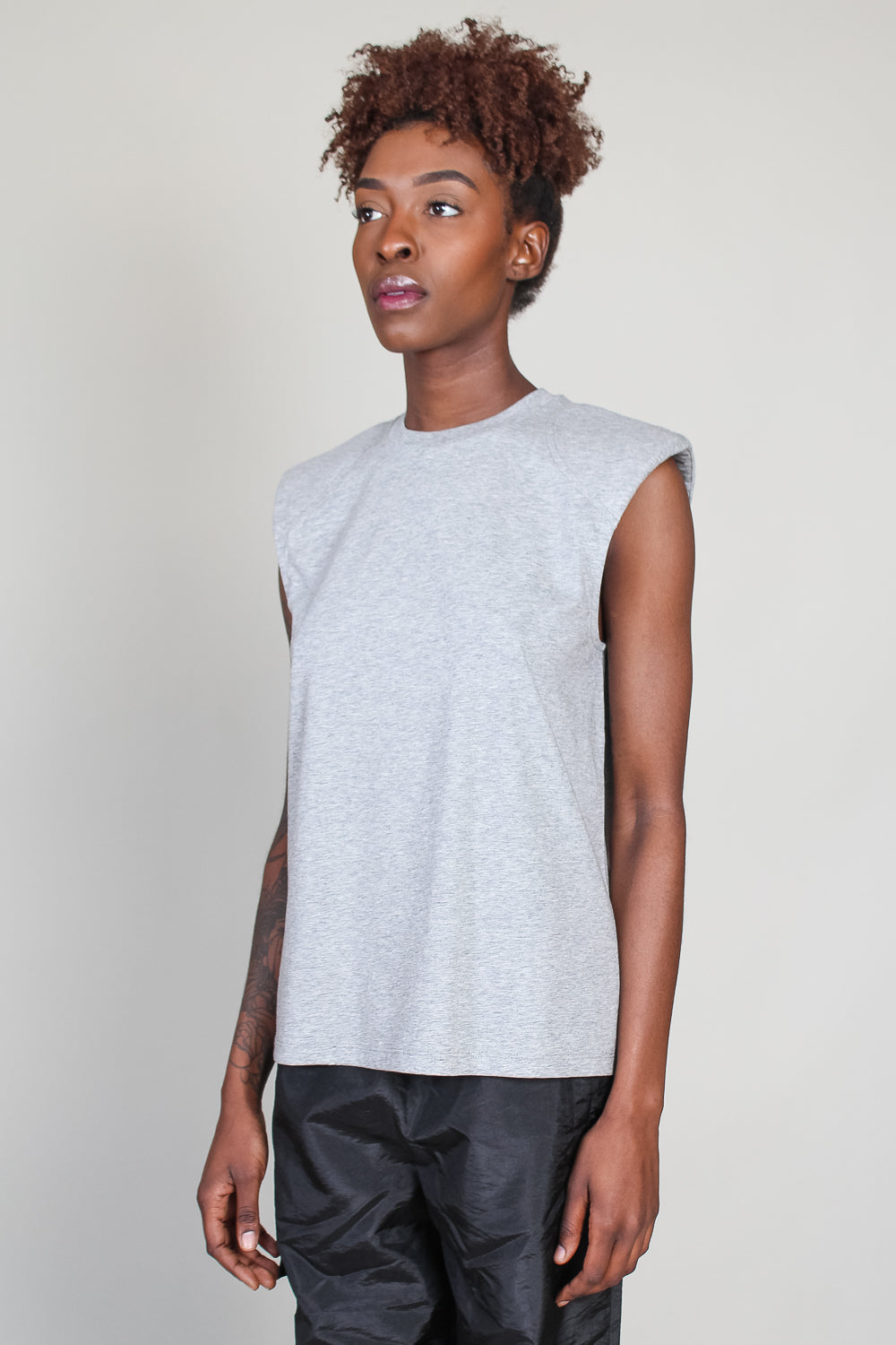 Padded Shoulder Sleeveless T Shirt in Heather Grey