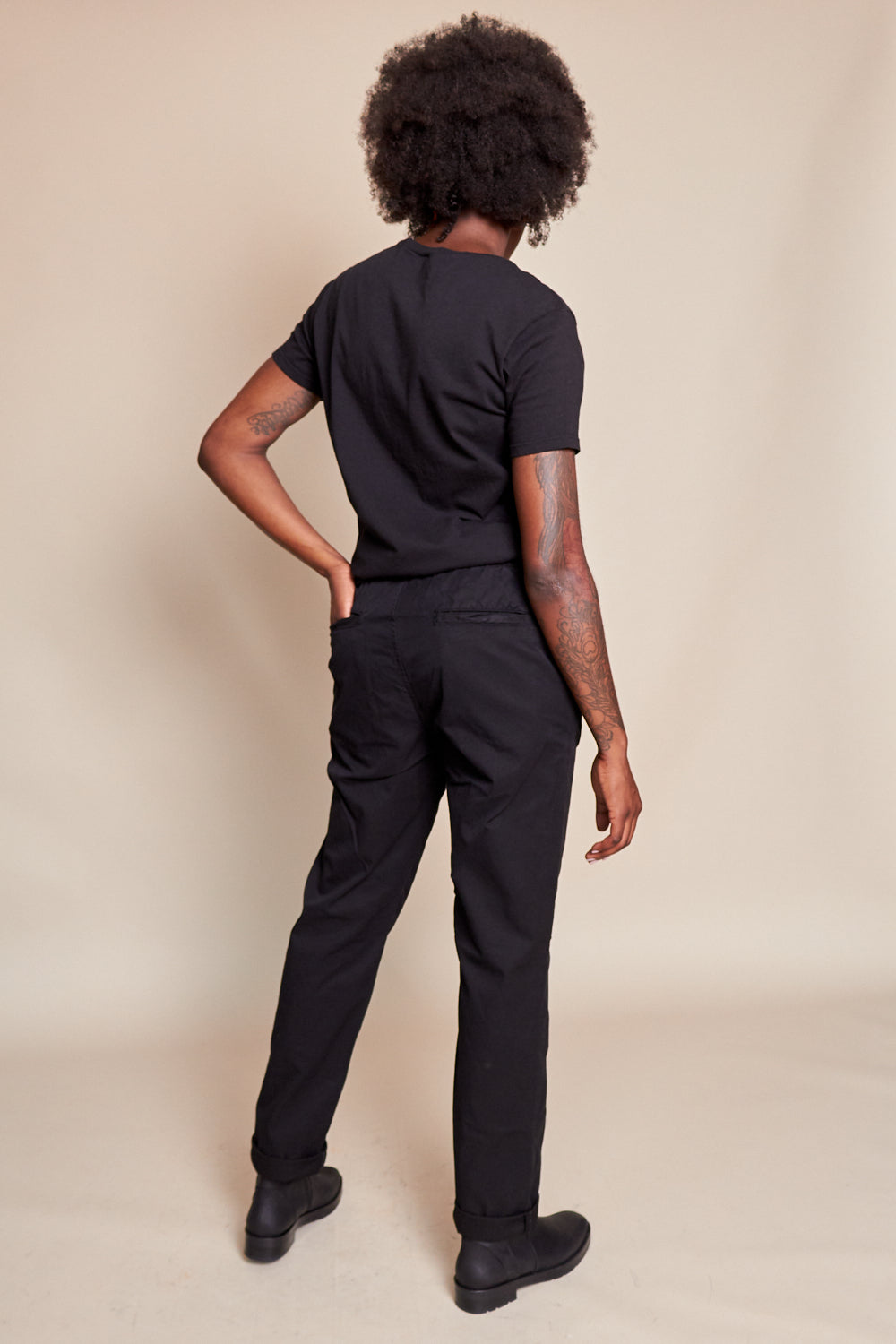 Save Khaki United Twill Easy Chino in Black - Vert & Vogue