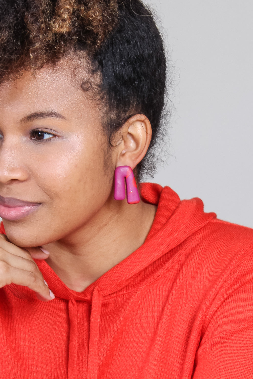 Mini Phoebe Earring in Red Mix