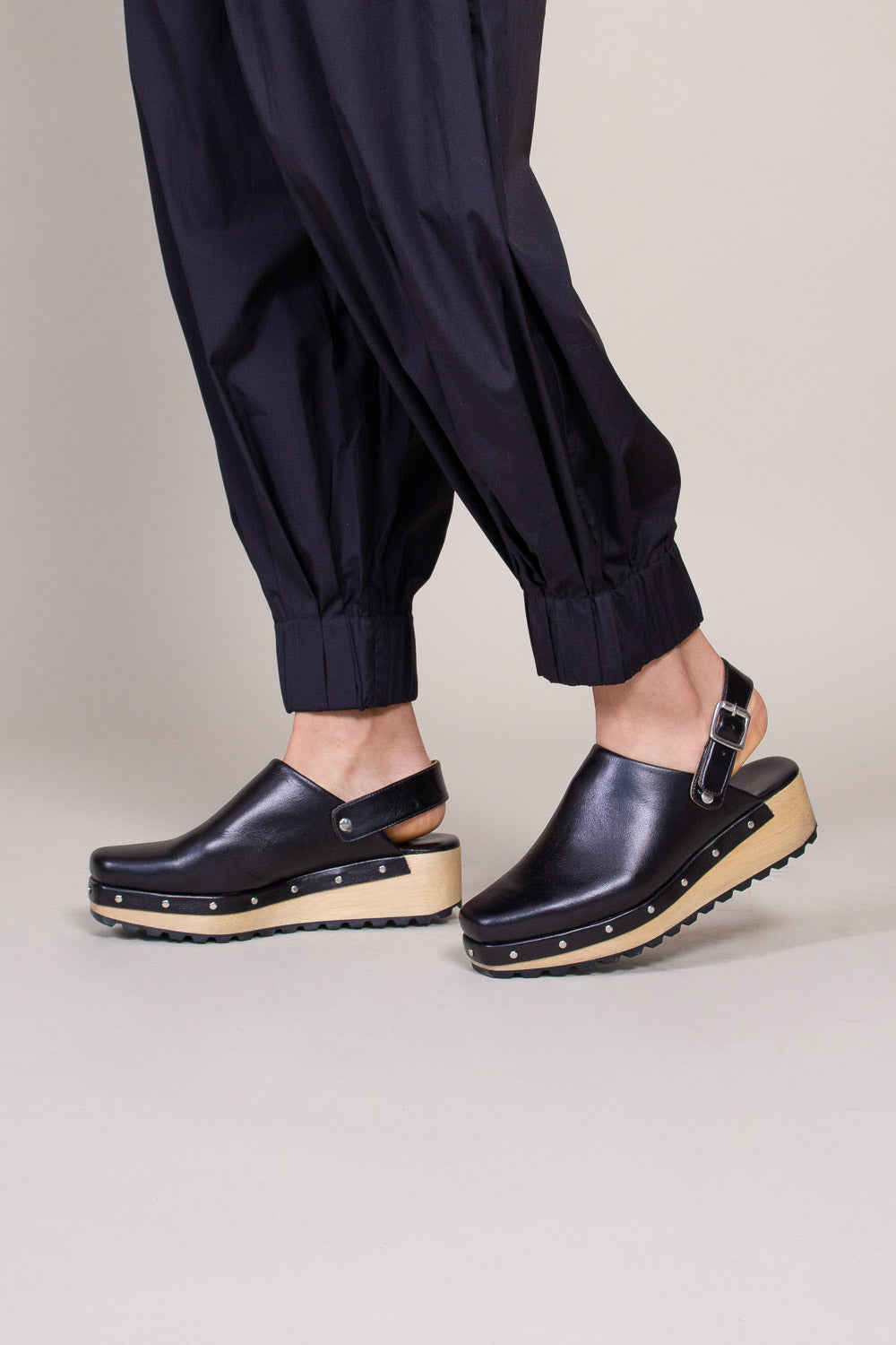 Beam Clog in Black