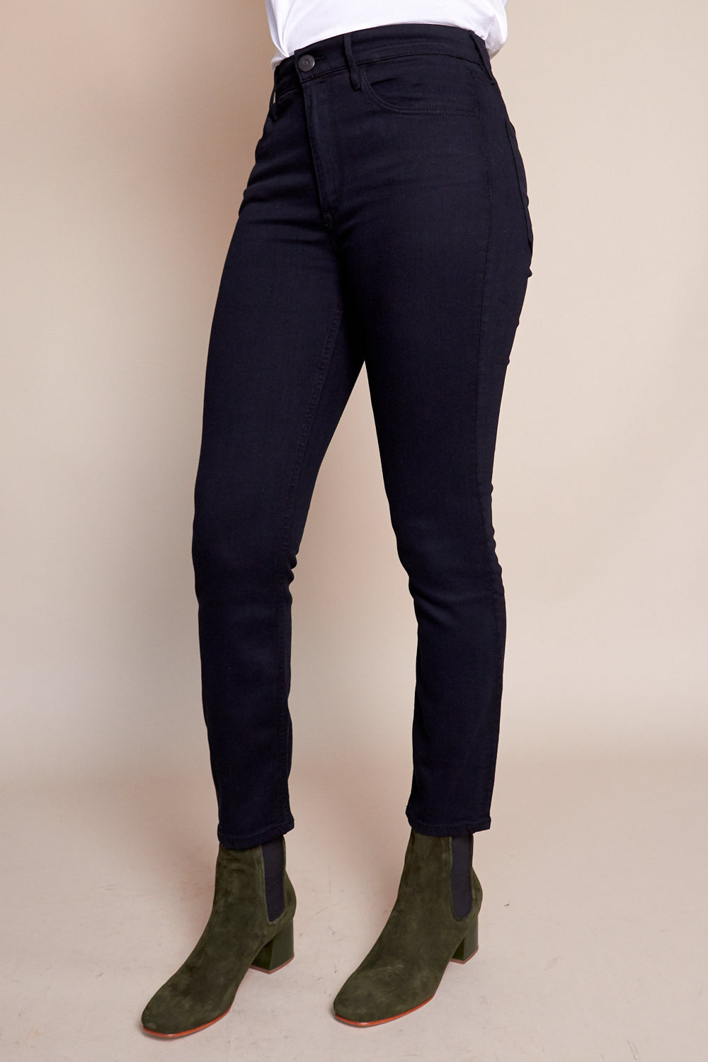 W4 Colette Slim Crop Jean in Tar Black
