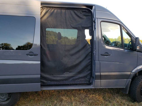 Sprinter Insect Screen with Magnetic Sealed Opening