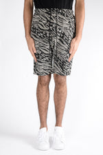 Les Benjamins Naravas Shorts In Black/White - CNTRBND