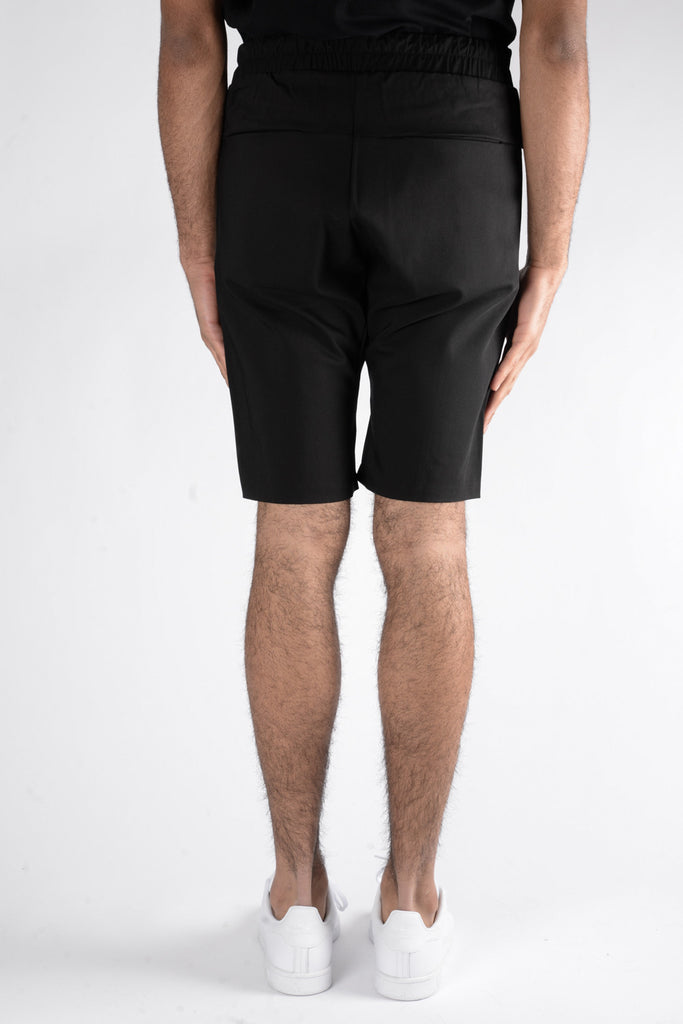 Les Benjamins Naravas Shorts In Black