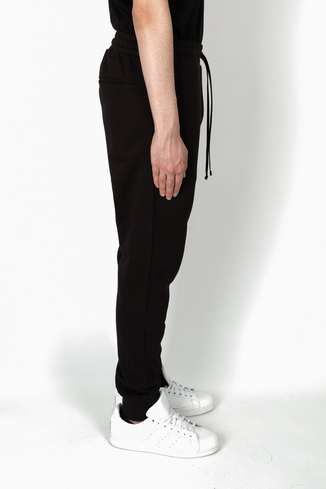 Les Benjamins Anatjari Sweatpants In Black - CNTRBND
