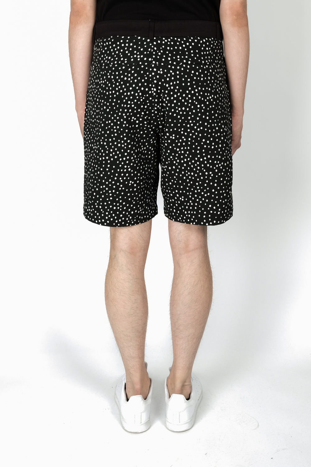 Les Benjamins Gunyidi Shorts In Black
