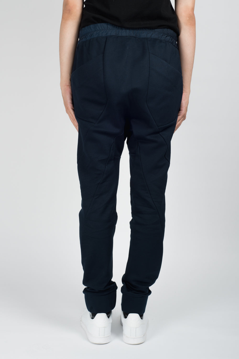 Les Benjamins Yekeo2 Trousers In Navy