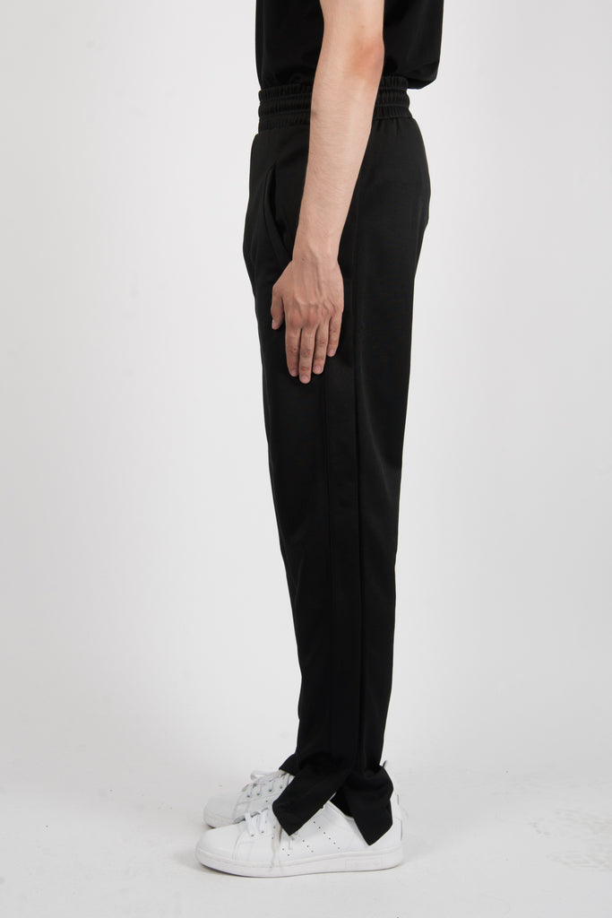 Marcelo Burlon Kenguen Pants In Black