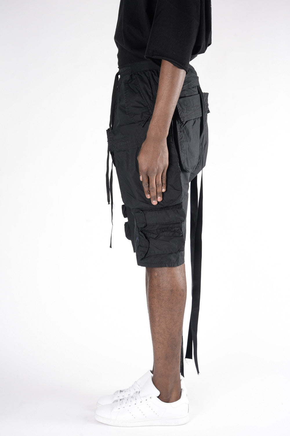 UNRAVEL Tech Cotton Cargo D/C Shorts In Black