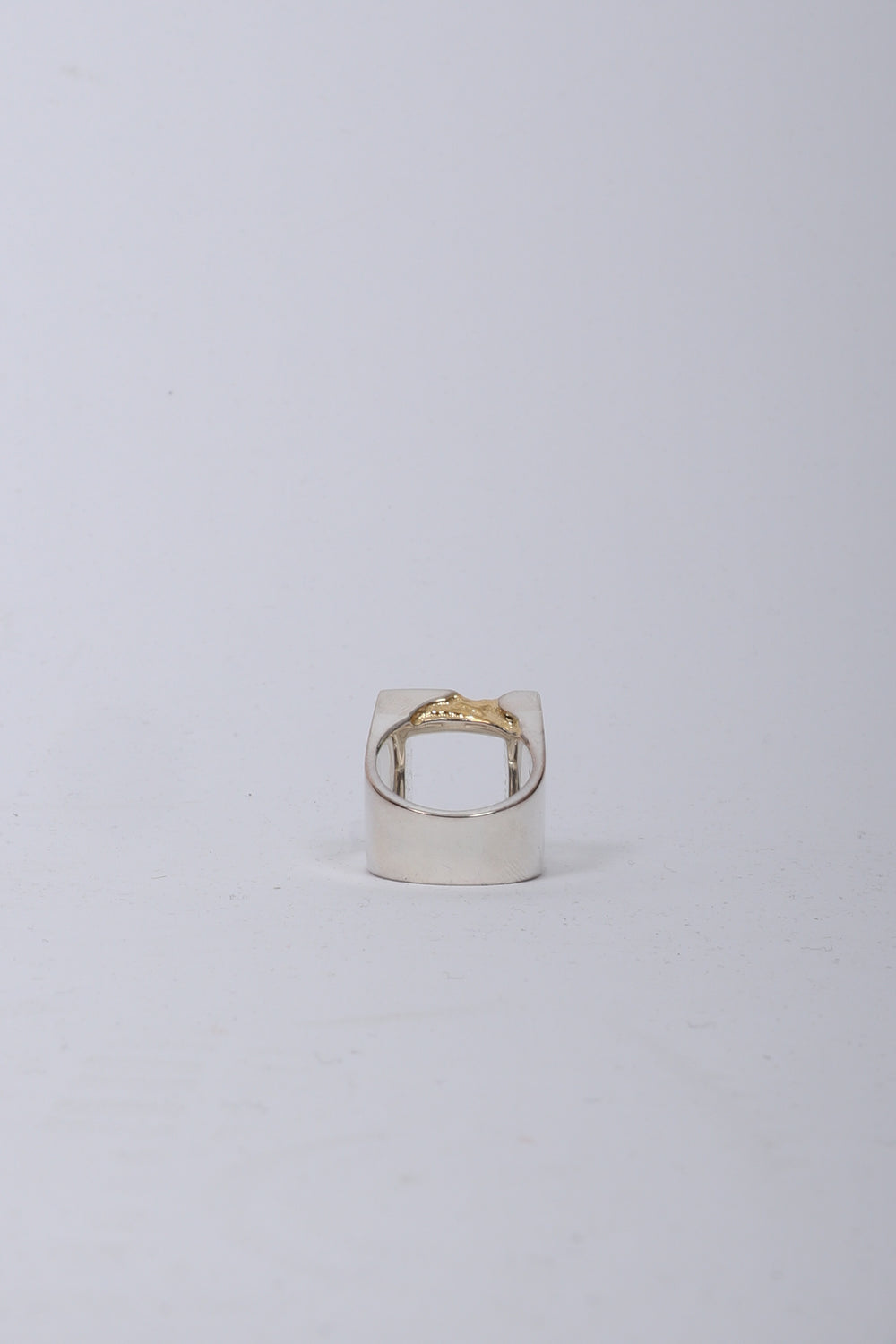 A Cold Wall Gold Leaf Oversize Ring In Gold