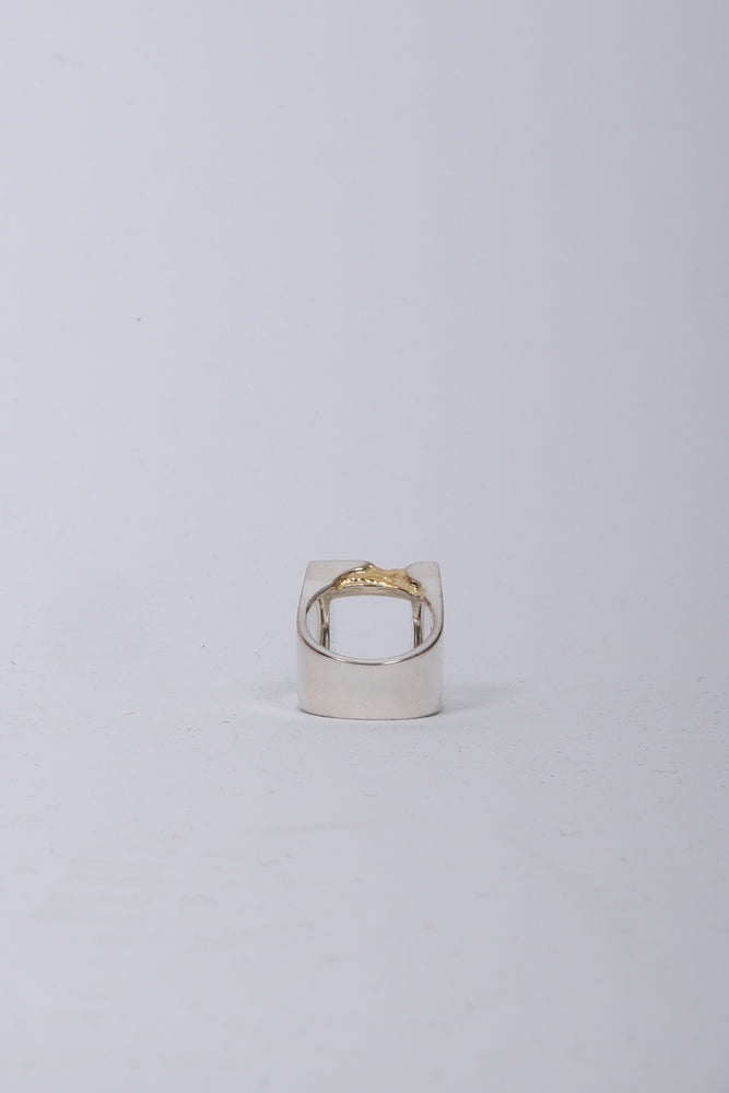 A Cold Wall Gold Leaf Oversize Ring In Gold - CNTRBND