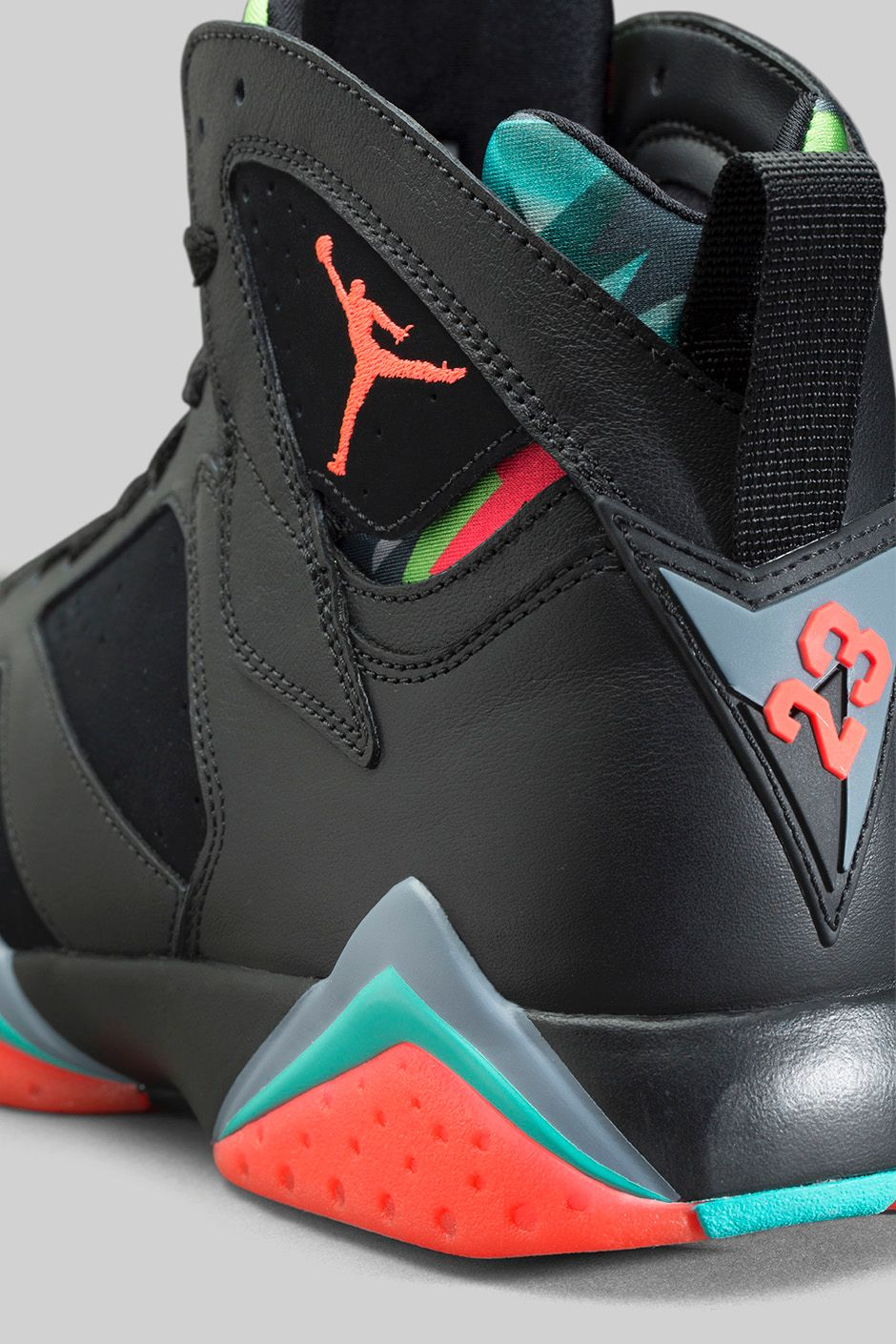 marvin-the-martian-air-jordan-7-retro-5