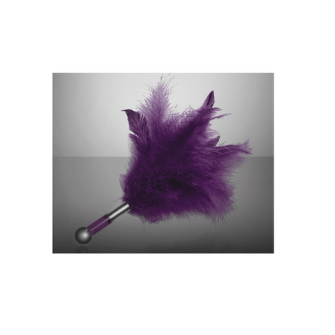 LELO Tantra Feather Teaser Angle