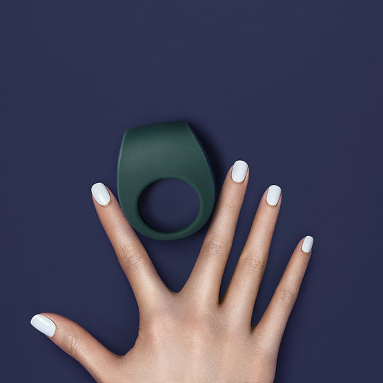 LELO Tor 2 Luxury Rechargeable Vibrating Cock Ring Green on Hand