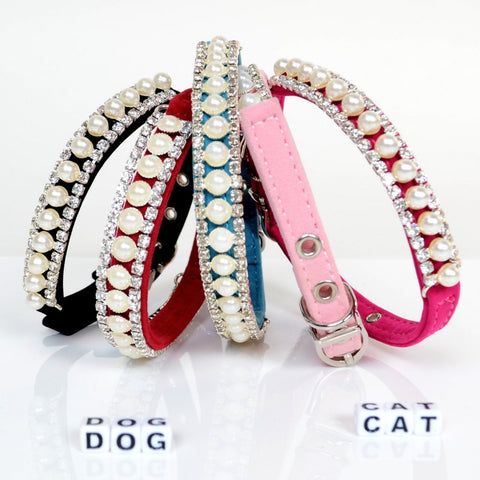Handmade Pearl Collar with Rhinestones for Small Dog or Cat for holidays, weddings, birthdays, special occasions or simple family gatherings. Pamper your small dog or cat with this jeweled collar and they will shine in those family holiday photos.