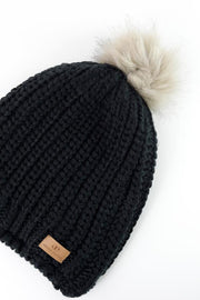Black Slouchy Warm Slap w/ Pom