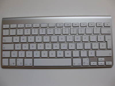 Apple Ultra Slim Bluetooth Keyboard A1255 - Canadian