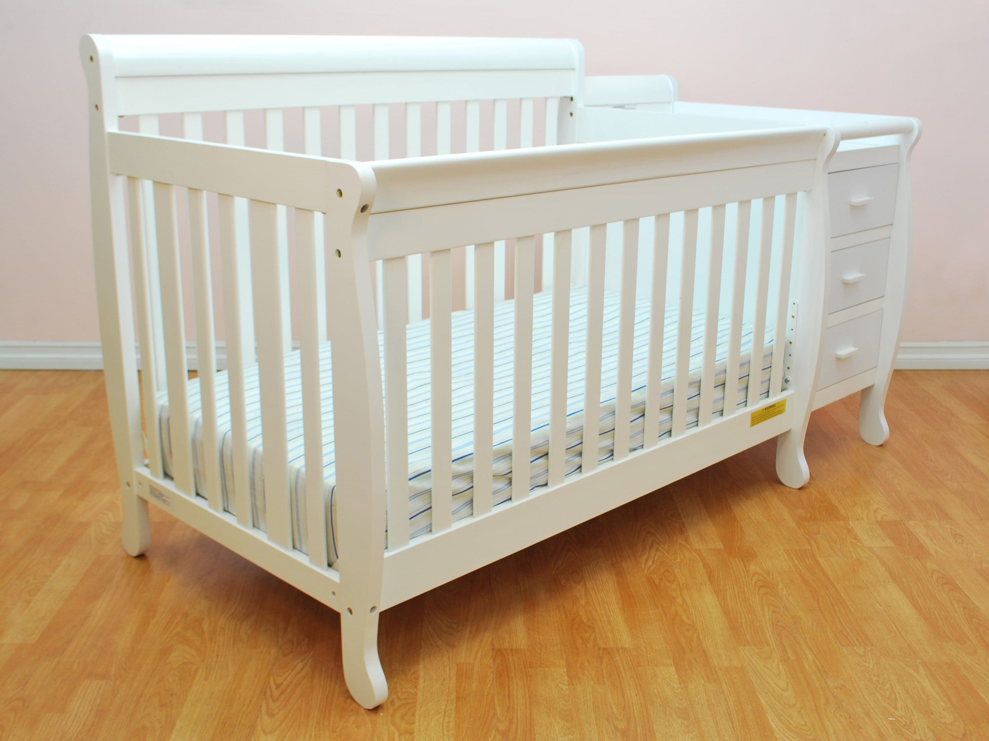 AFG Kimberly 4 in 1 Convertible Crib and Changer bo 518