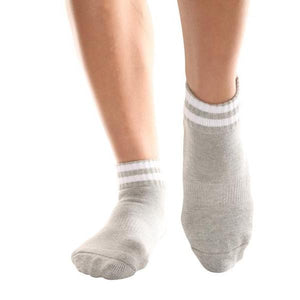 Barre Socks J'adore Crew Gray and White