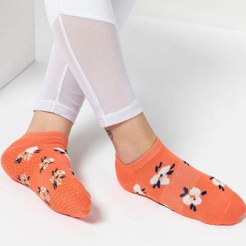 Move Active Classic Low Rise Blossom Peach Grip Socks