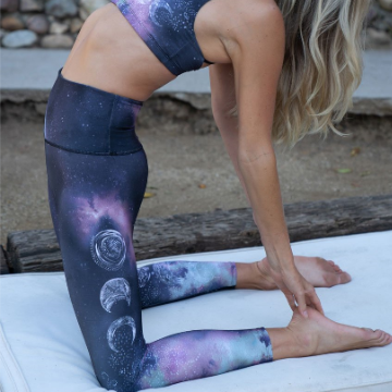Onzie Graphic High Rise Midi Leggings Solar