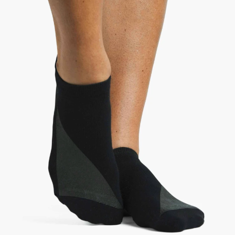 Pointe Studio Heavy Metal Grip Sock Black