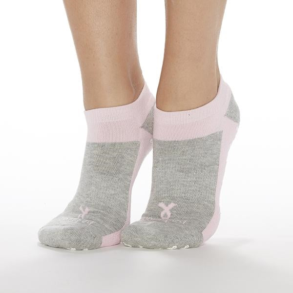 sticky be be brave breast cancer awareness grip socks