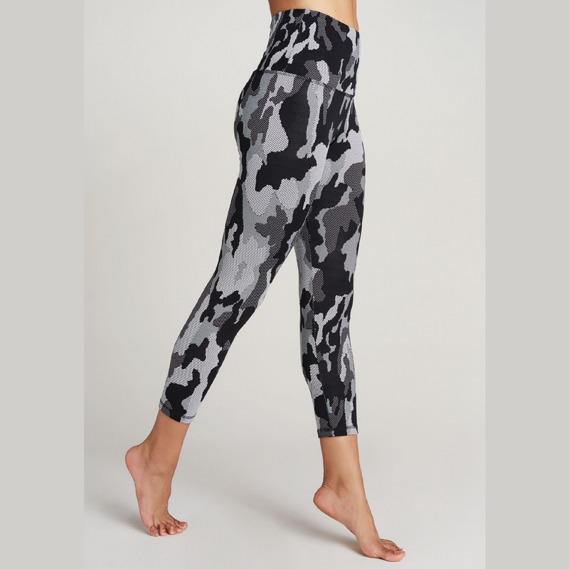 Strut This Camo Cloth Teagan 7/8 Leggings