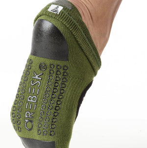 arebesk fishnet grip socks - green