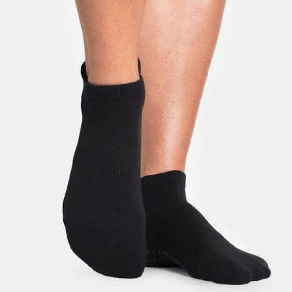 pointe studio grip sock black union