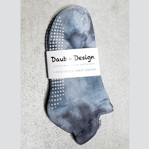 Daub + Design Smoke Grippy Sock