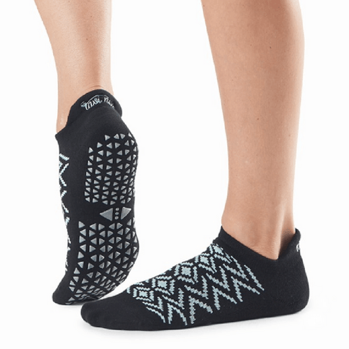 Savvy Fresh Geo Grip Socks (Barre/Pilates)