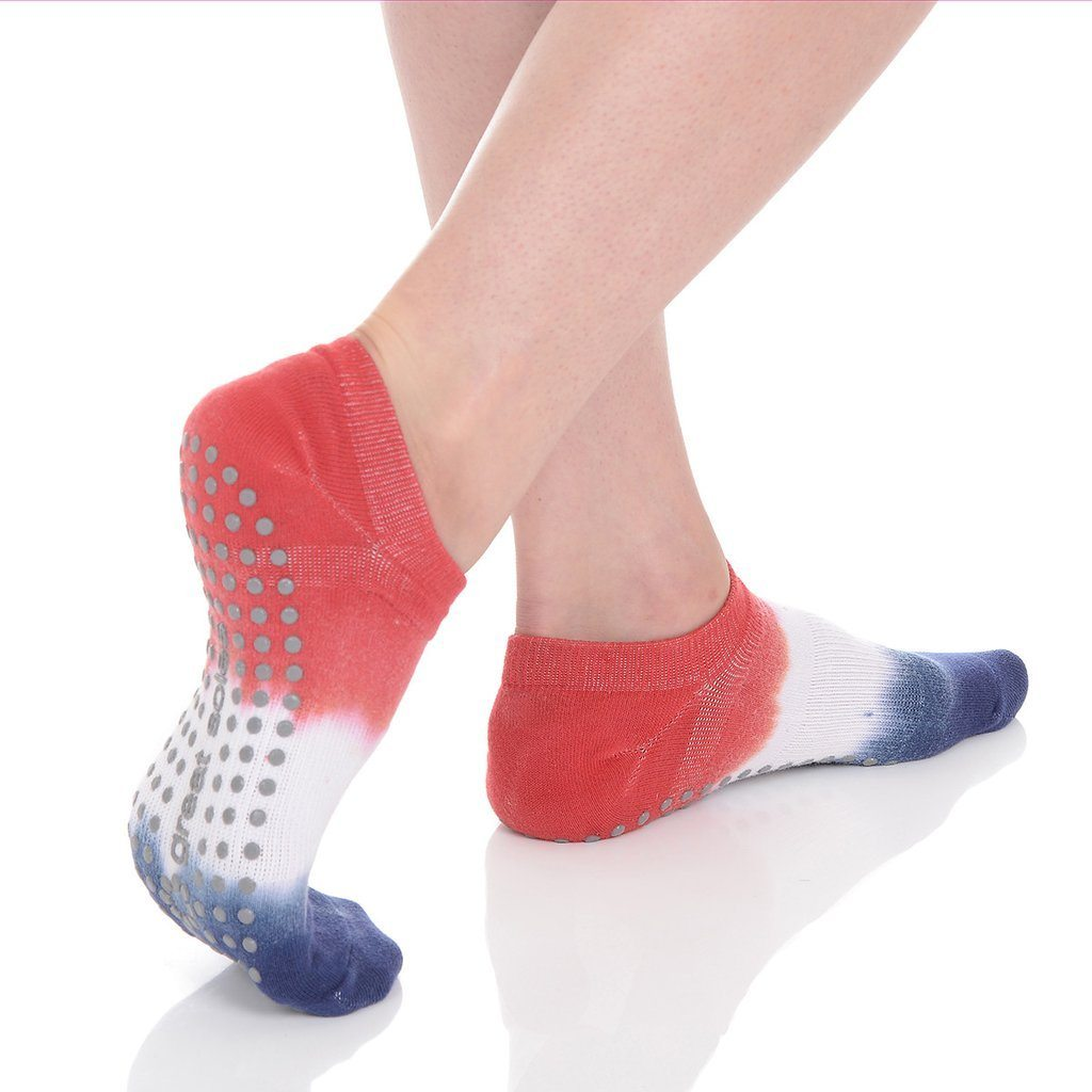 lady liberty ombre grip socks by great soles red white blue