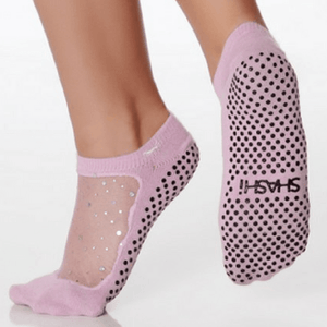 star grip shashi socks in rose for barre and pilates