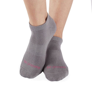 Be Present Grip Socks - Dark Grey/Candy Pink