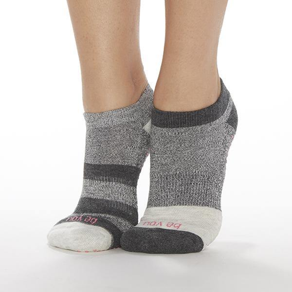 sticky be be you Jett grip socks