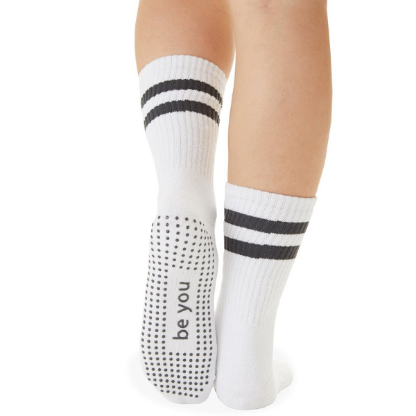 sticky be crew grip socks in white