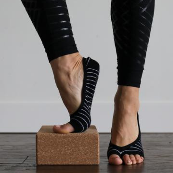 Ellis Grip Socks (Barre / Pilates)